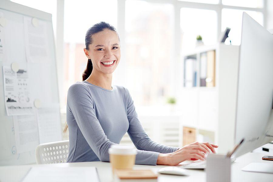 ¿Cómo puedo ayudar a mejora la felicidad laboral de los empleados de una empresa?